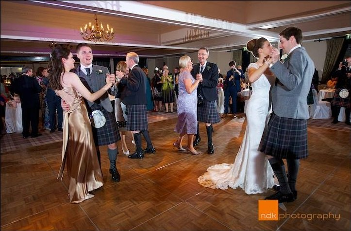 wedding-march-dance-scottish-tradition