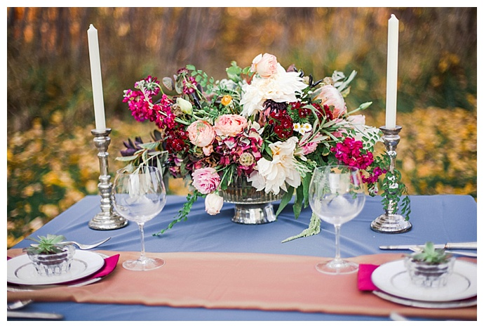 jewel-toned-wedding-tablescape