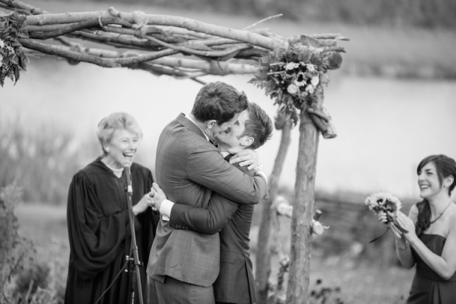 Best Wedding Day Kisses | Rustic Catskill Wedding | Photography by Ali Rosa Photography