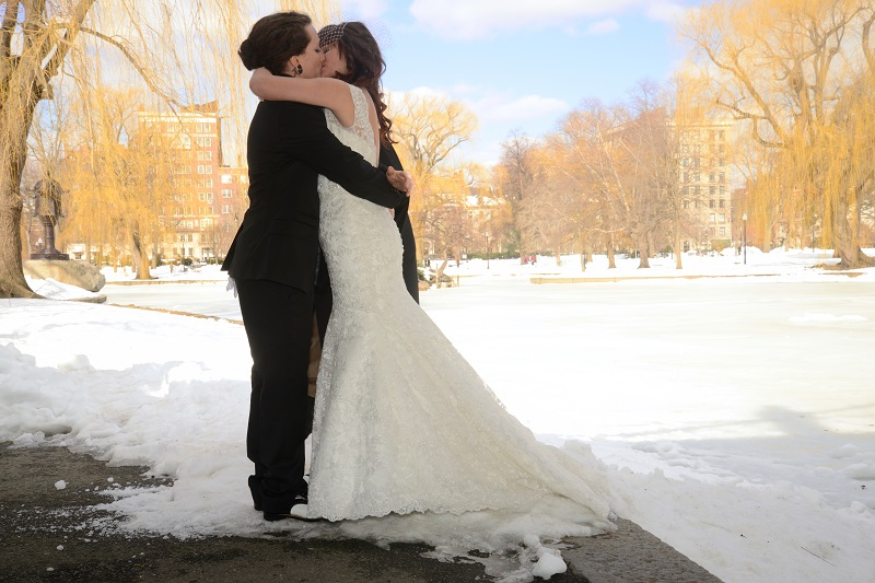 Best Wedding Day Kisses | Winter Wonderland Elopement | Photography by Kevin Day