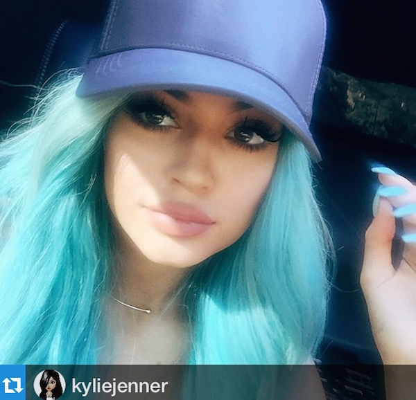 kylie-jenner-turquoise-hair