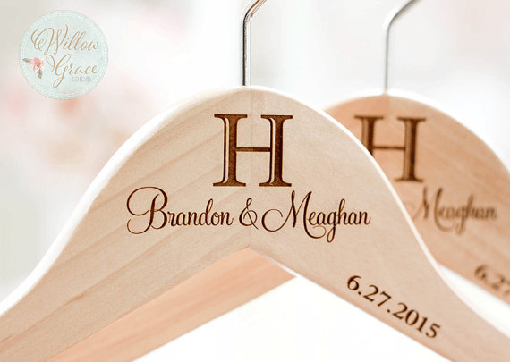 personalized-hanger-for-weddings