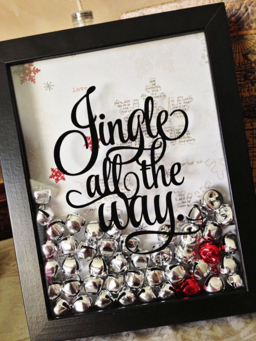 newlywed-christmas-decor