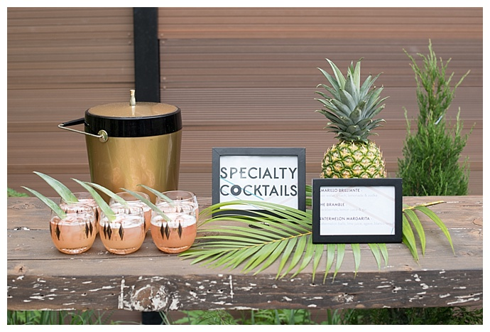palm-springs-inspired-wedding-speicalty-cocktails-mikkel-paige-photography