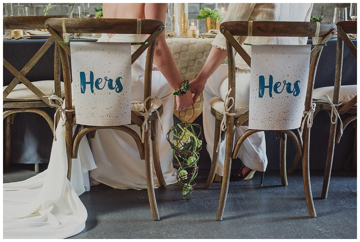 hers-and-hers-chair-signage-weddings