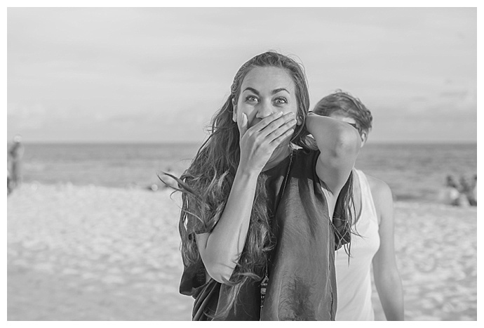 surprise-beach-proposal-rae-marshall-photography10