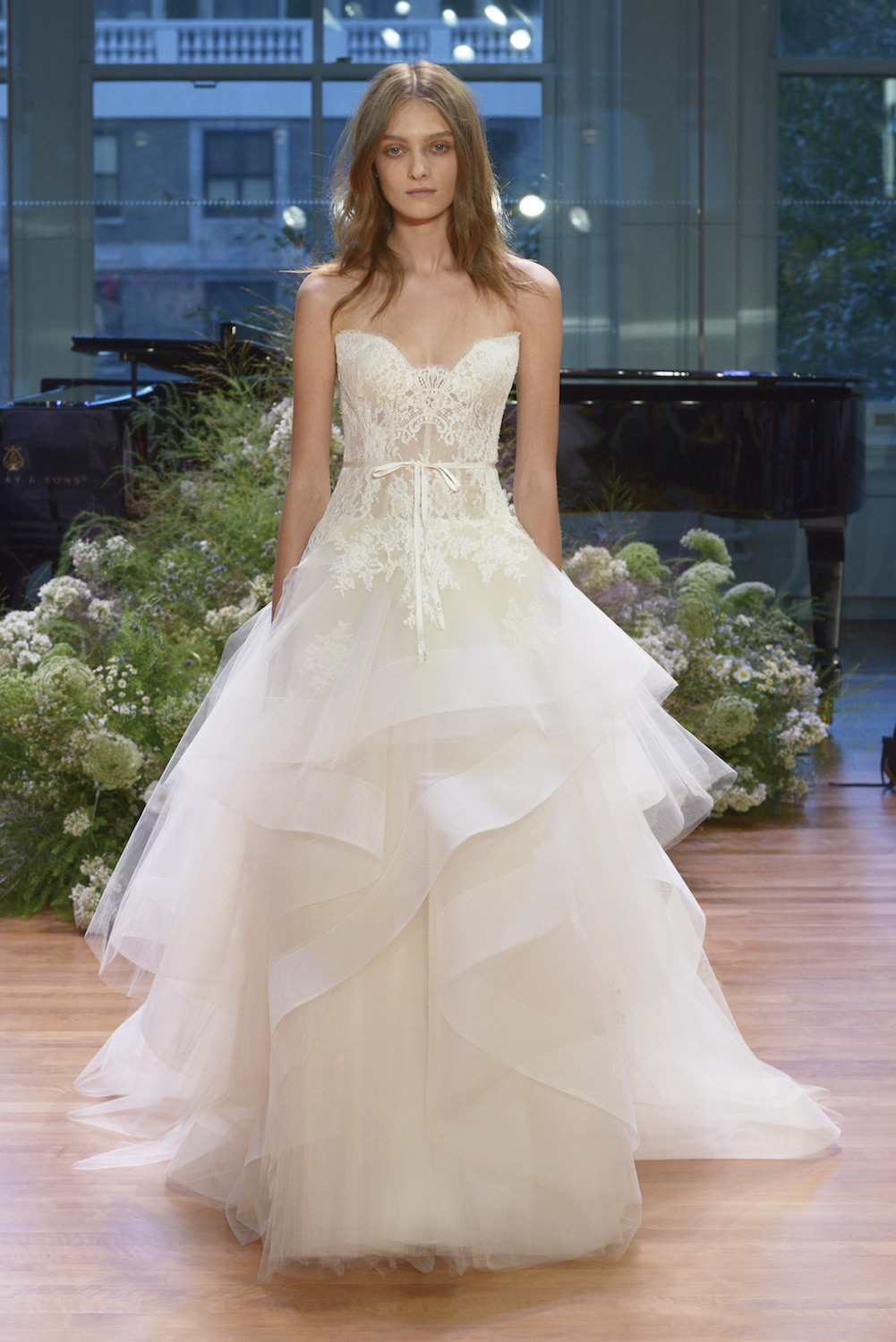 Monique Lhuillier Fall 2017 Bridal Collection Look 2