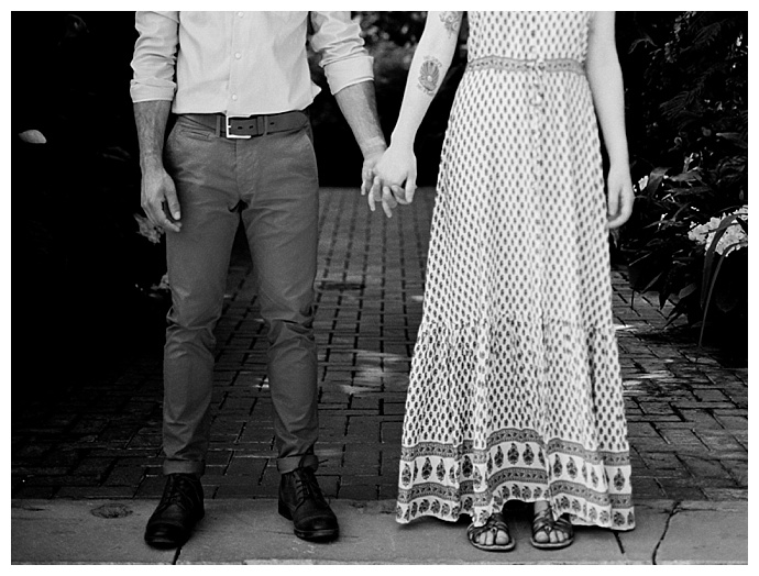 black-and-white-engagement-photos-genellynne-photography-biltmore-estates
