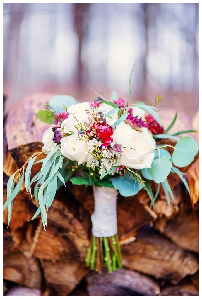 rustic-bouquet-shot-lux-light-photography