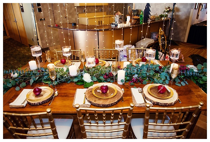 rustic-winter-wedding-tablescape-lux-light-photography