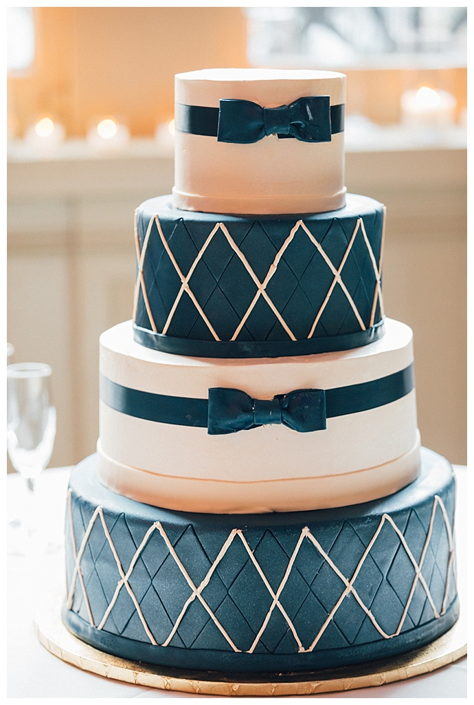 blue-bow-tie-wedding-cake