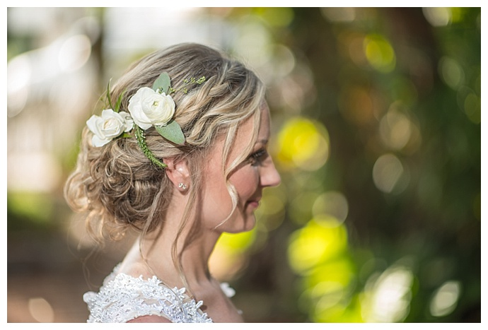 flower-wedding-hair-accessories-mary-veal-photography