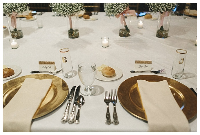 gold-wedding-tablescape-personalized-stemless-champagne-glasses-mae-small-photography