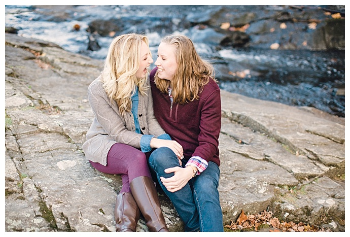 joanna-fisher-photography-candid-fall-engagement-shoot