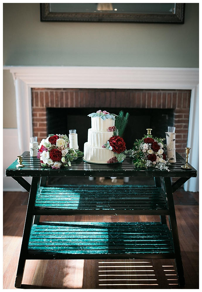 sweet-alice-photography-narnia-inspired-cake-table