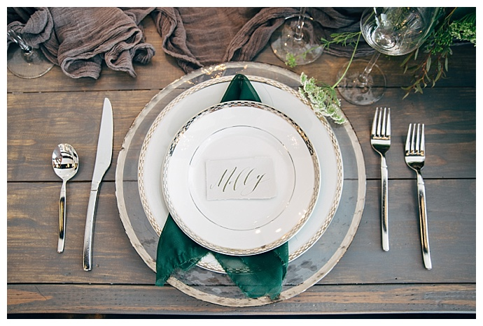 green-and-gold-tablescape-alyssa-ryan-photography