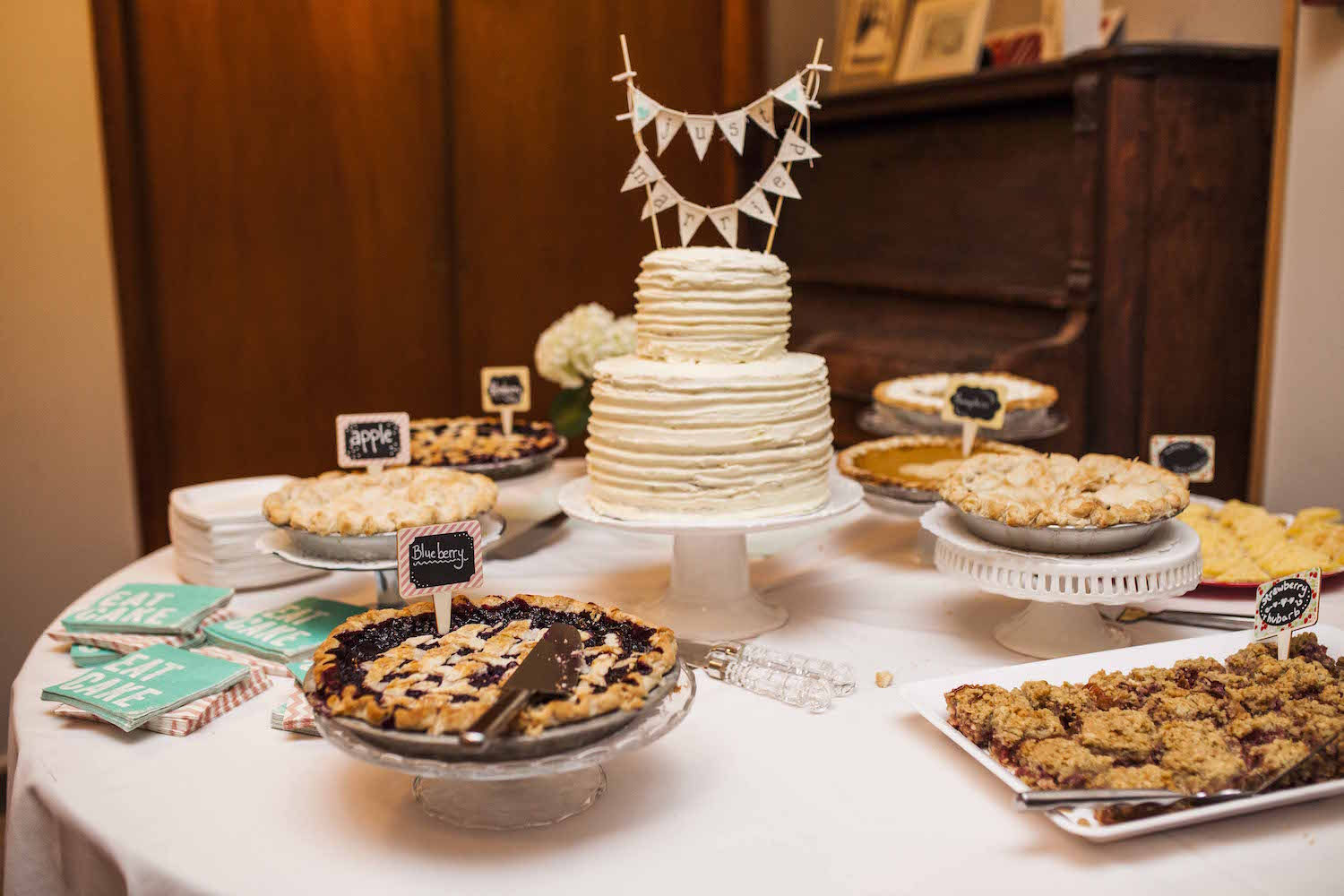 11 Displays For A Slice Of Pi Day Wedding Inspiration