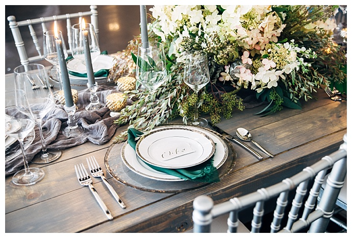 lush-green-and-gray-wedding-tablescape-alyssa-ryan-photography