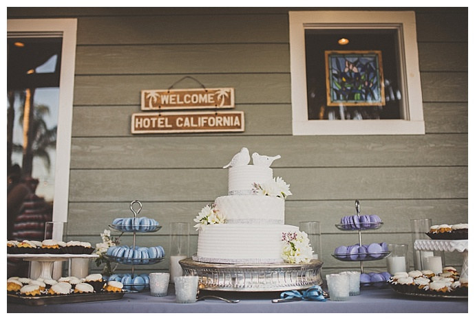 macaron-mini-bundt-cake-wedding-dessert-table-ryan-horban-photography