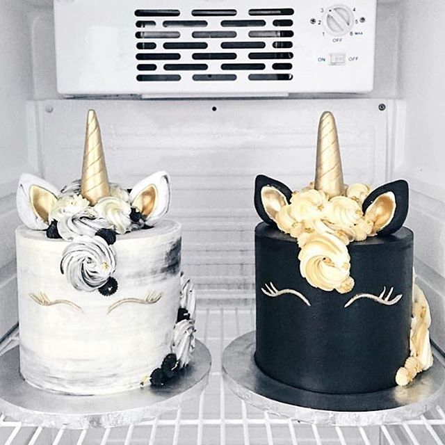 Black and White Marble Unicorn Cakes