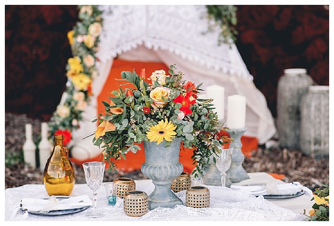 orange-yellow-red-wedding-tablescape-phosart-photography-and-cinematography