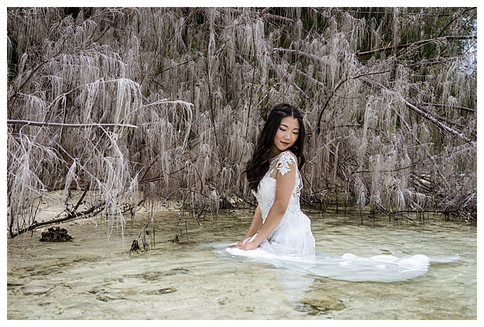 sv-photograph-bridal-portraits-in-water
