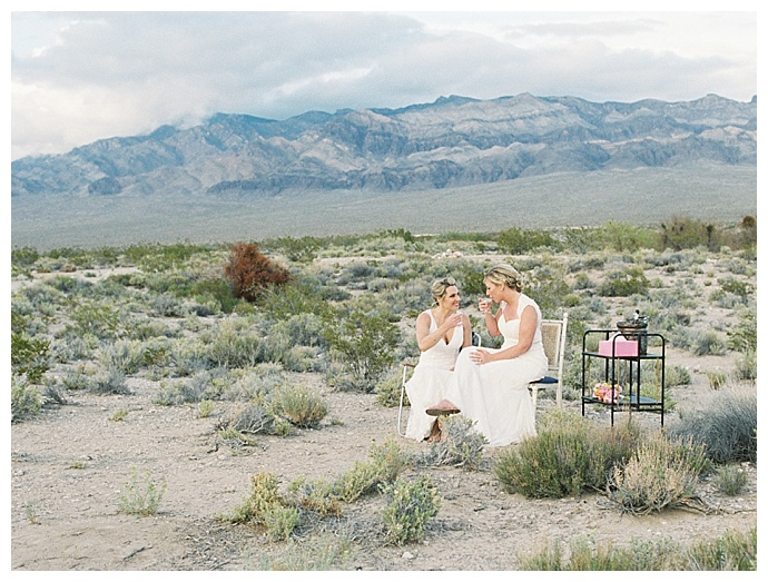 elopement-in-the-nevada-desert-gaby-j-photography