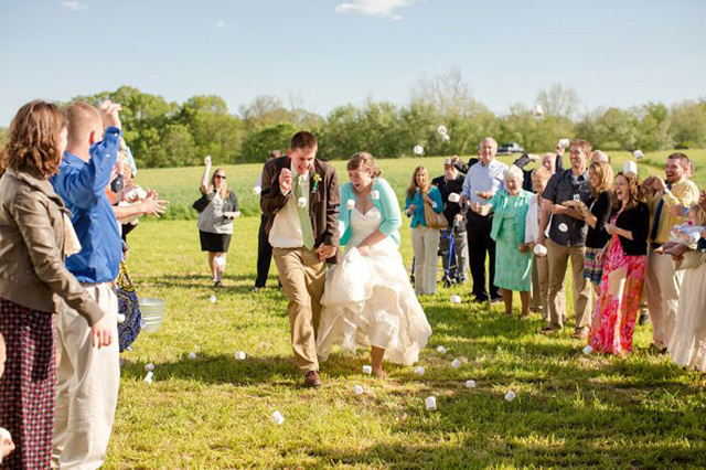 mashmallows-wedding-send-off-toss