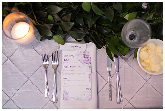 purple-and-white-wedding-tablescape-kristen-weaver-photography