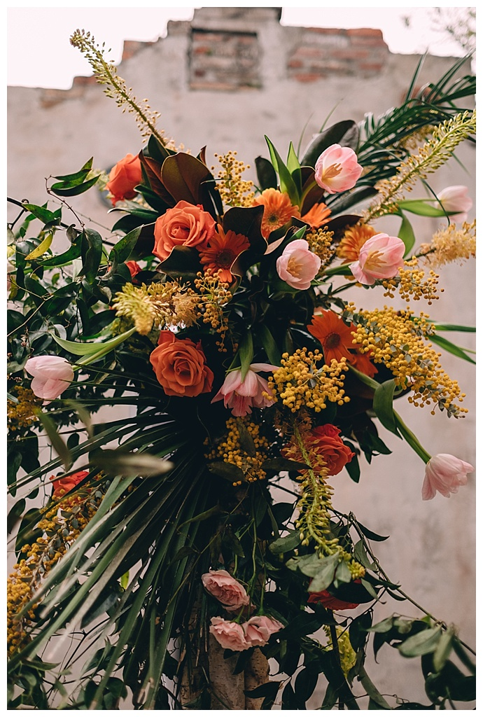 bright-bold-new-orleans-wedding-flowers-dark-roux-photography