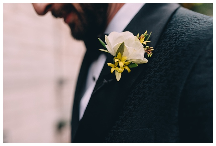 dark-roux-photography-white-and-yellow-boutoinniere