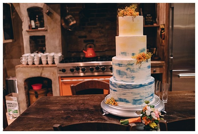 four-tiered-marble-effect-wedding-cake-dark-roux-photography