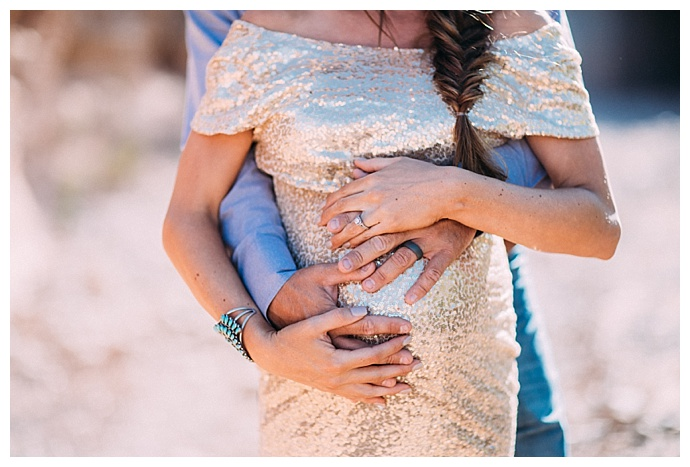 gold-sequin-maternity-dress-expection-session-ashley-marie-photography