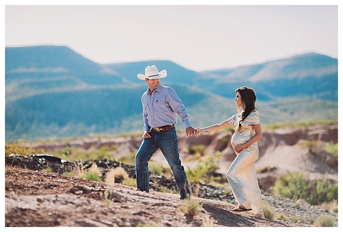 new-mexico-mountains-expecting-session-ashley-marie-photography