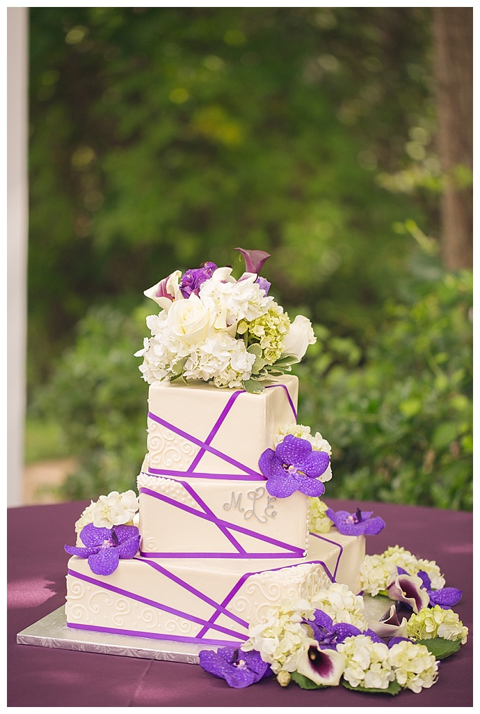 purple-square-tiered-wedding-cake-jacqie-q-photography