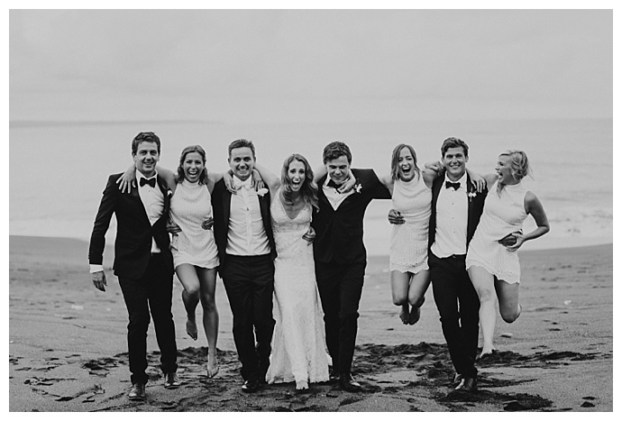 terralogical-photography-beach-wedding-party-pictures