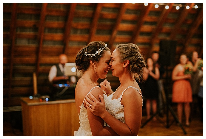 bhunterco-photography-two-brides-first-dance