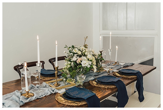 dark-blue-and-gold-tablescape-sam-and-lola-lee-photography
