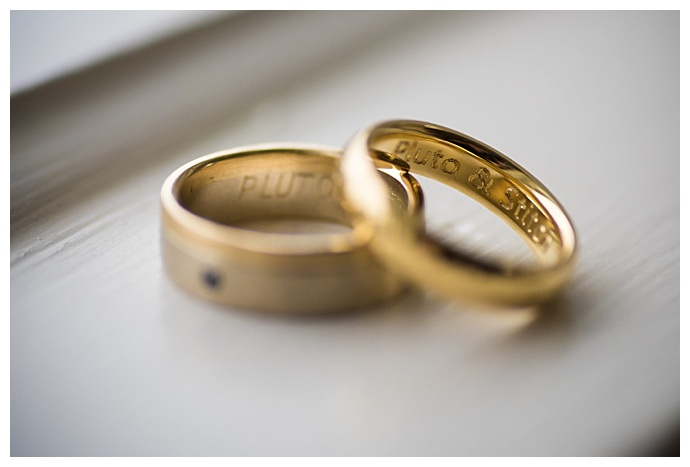 engraved-wedding-rings-benedicte-verley-photography