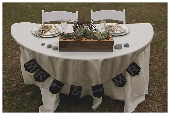 rustic-mr-and-mr-sweetheart-table-stacy-paul-photography