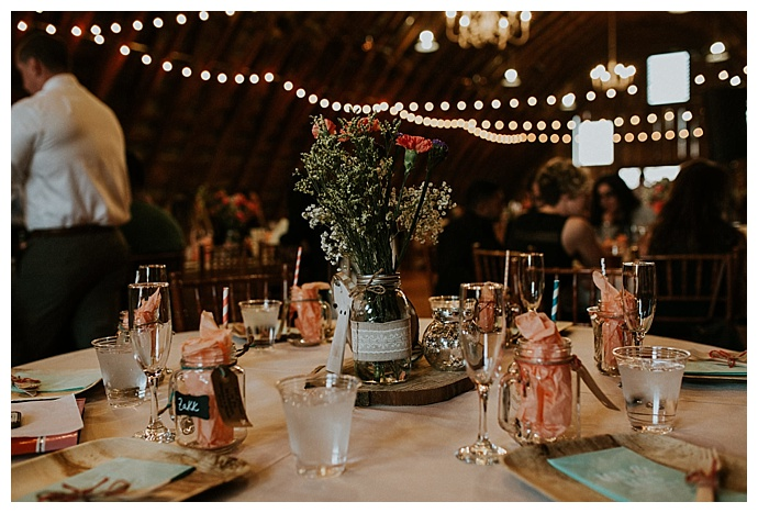rustic-wedding-tablescape-bhunterco-photography