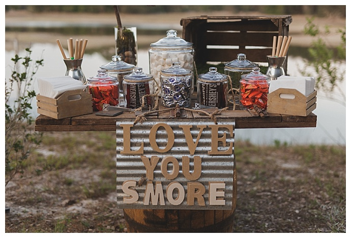 wedding-smore-station-stacy-paul-photography