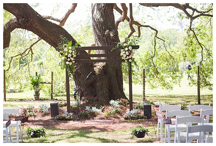 cory-lee-photography-backyard-ceremony-setting