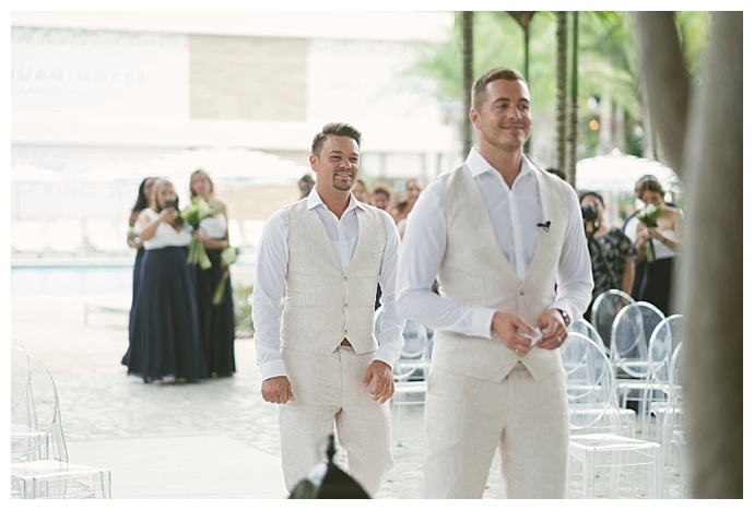 e-p-anderson-photography-grooms-first-look