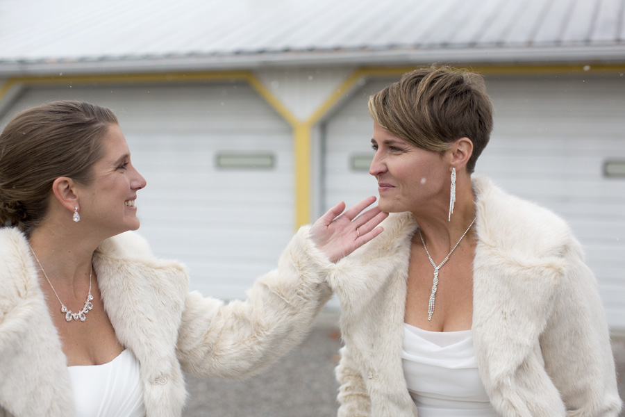 erika-flugge-photography-candid-wedding-pictures