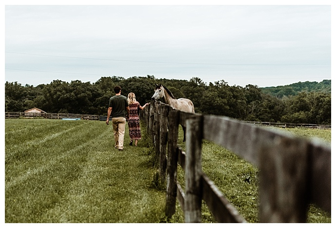 love-to-the-core-photography-family-farm-engagement-photos