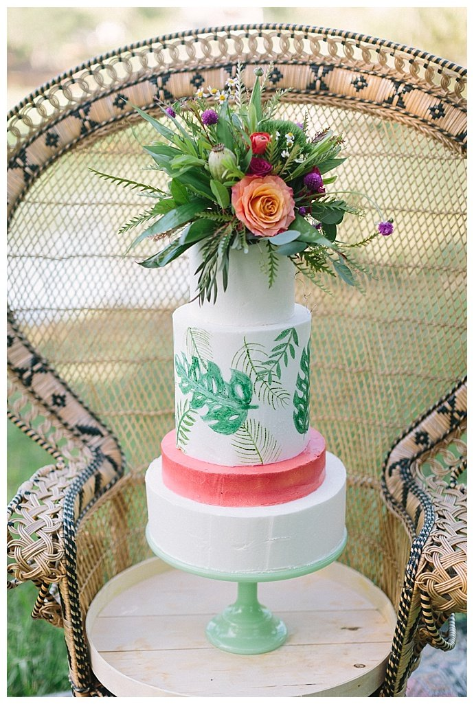 monstera-leaf-wedding-cake-paige-vaughn-photography