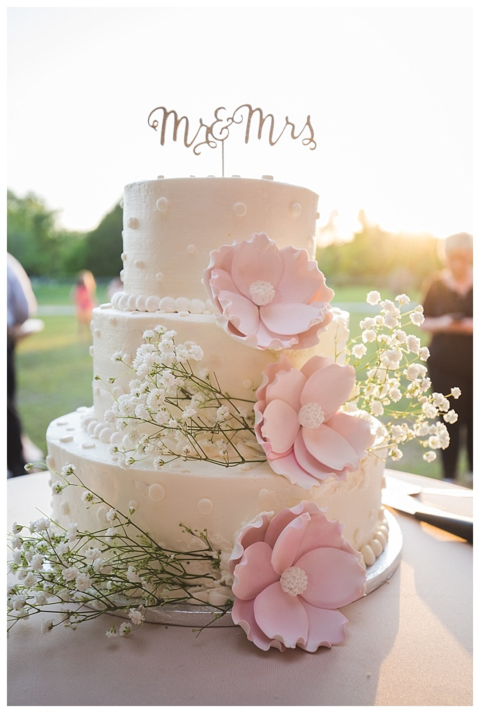 white-and-pink-wedding-cake-cory-lee-photography