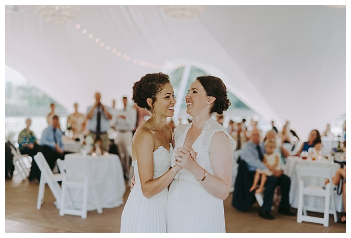 autumn-harrison-photography-two-brides-first-dance