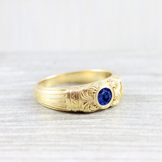 gold-sapphire-solitaire-wedding-ring